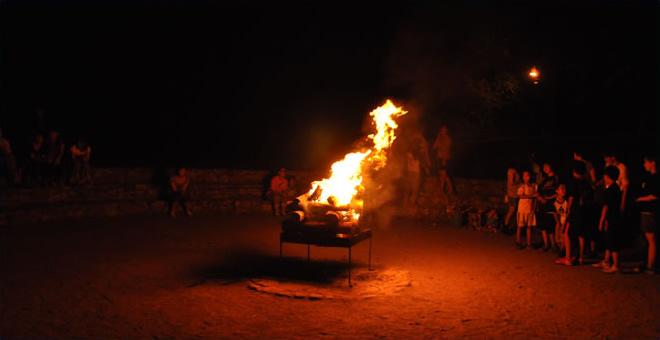 フォトスライド写真01 キャンプファイヤー